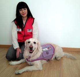 Parte del equipo de (TAA) Sonia (Técnico en IAA) y Sira (Perra que dará apoyo al equipo terapéutico) Nerea (Psicologa)