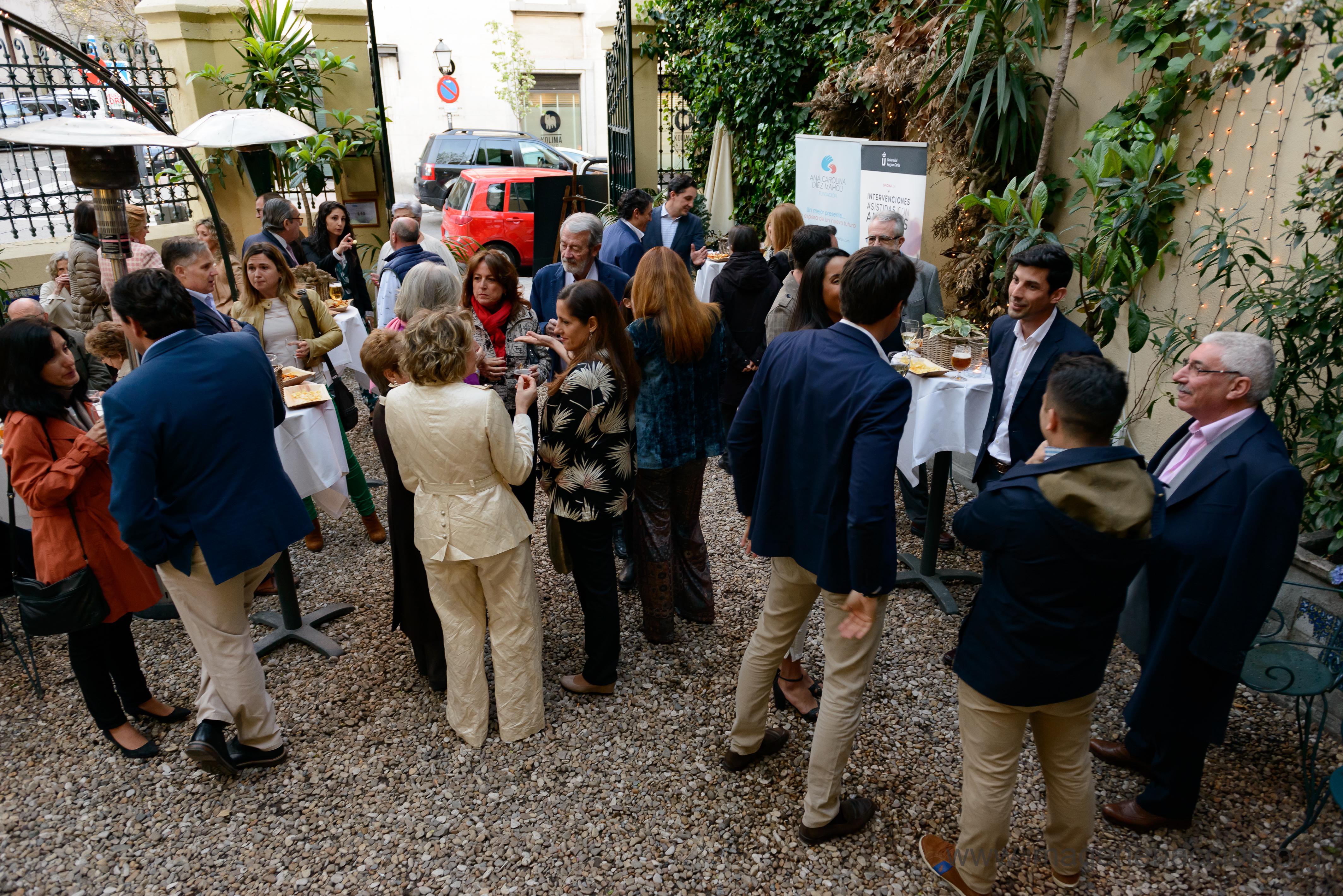 Cóctel celebrado en la entrada del restaurante.